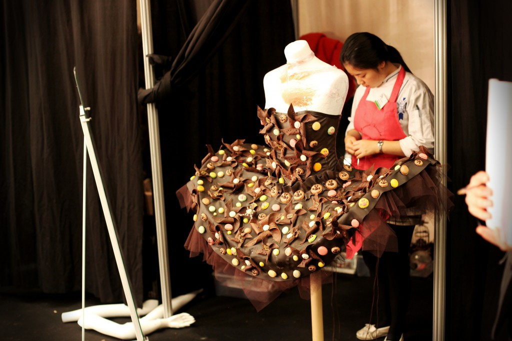 roberobe en #chocolat de Jean-Marc RUÉ & de Keiko ORIHARA alias Monsieur Chocolat.