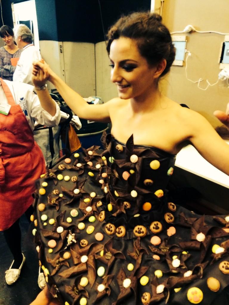 robe en #chocolat de Jean-Marc RUÉ & de Keiko ORIHARA Monsieur Chocolat.